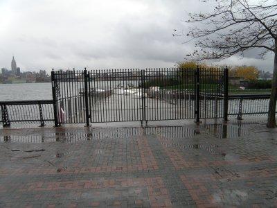 pier c park gated